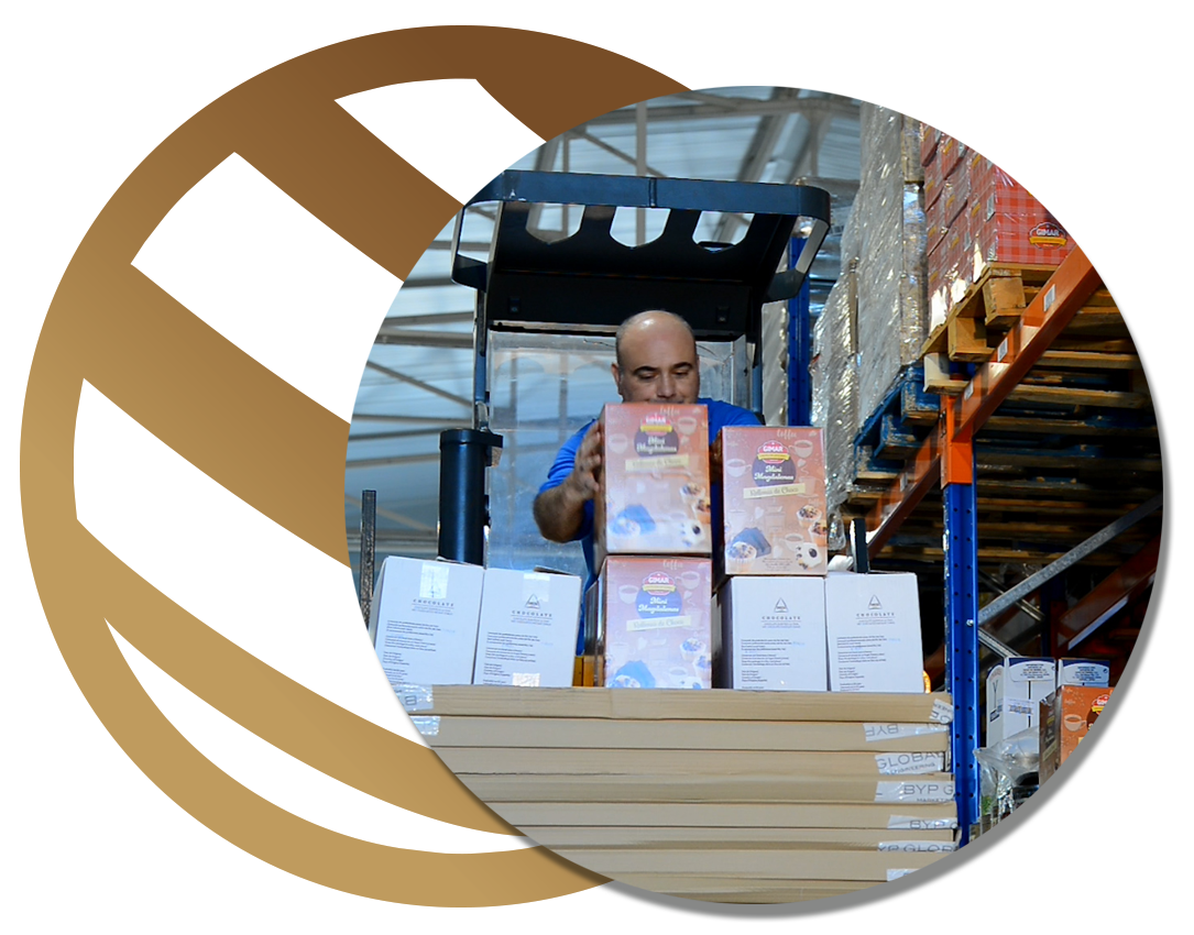 Se encargan de la preparación de los pedidos preparando cajas